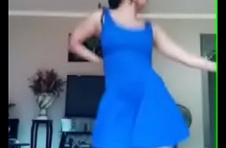 Upskirt Girl forth dance