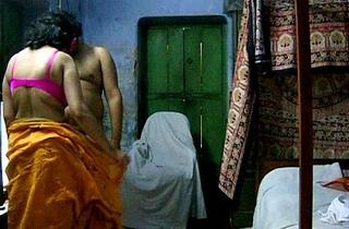 indian amateur savita bhabhi giving hot blowjob