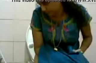 VID-20160514-PV0001-Pandharpur (IM) Hindi 34 yrs old beautiful, hot and sexy unmarried girl pissing in toilet intercourse porn video