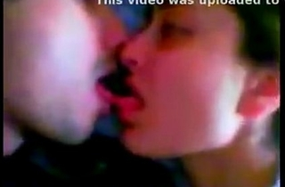 Kareena Shahid Kissing Scandal LEAKED!