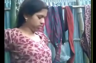 bhabhi majuscule blowjob~wid hindi a